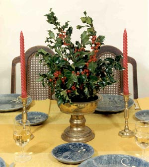 Holly table display